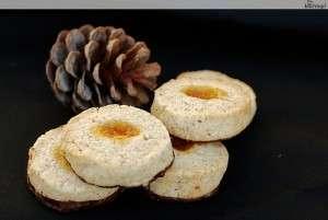 Weihnachtsguetzli zum 1. Advent 2011 – Bubieinfache Haselnuss-Aprikosen-Guetzli mit Schokofüsschen