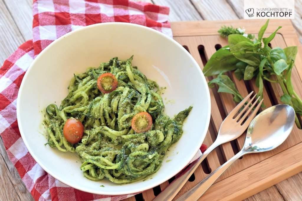 Schnelle Küche – Zoodles an Rucola-Basilikum-Pesto